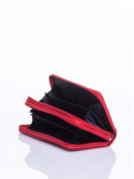 Czerwony lakierowany pikowany portfel                                  zdj.                                  4