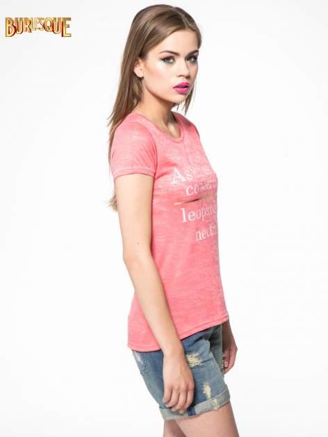 Czerwony półtransparentny t-shirt z napisem                                  zdj.                                  3