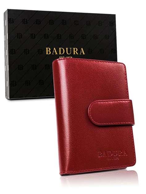 Czerwony portfel męski z zapinką BADURA