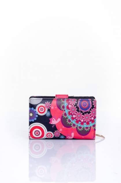 Czerwony portfel w graficzne wzory                                  zdj.                                  2