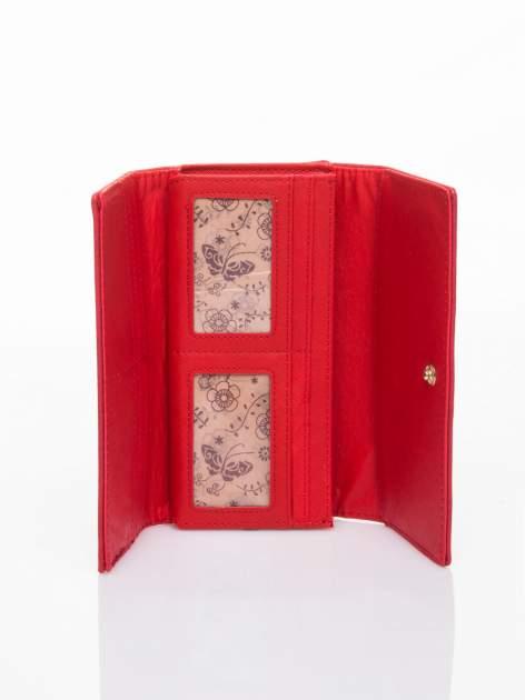 Czerwony portfel z ażurowaniem i plecionką                                  zdj.                                  4