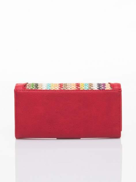 Czerwony portfel z ażurowaniem i plecionką                                  zdj.                                  2