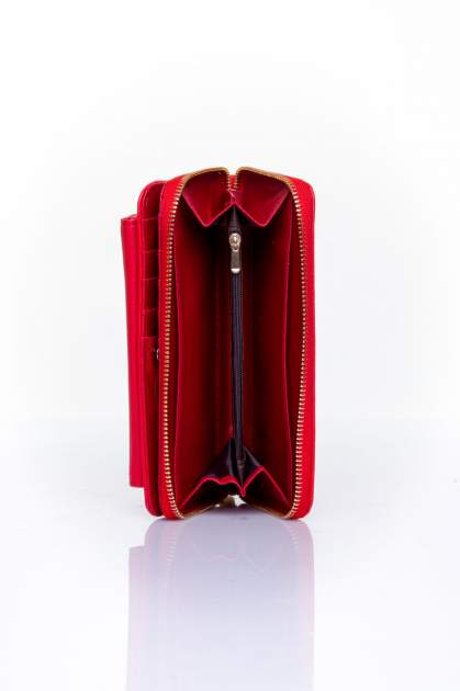 Czerwony portfel ze złotym zapięciem                                  zdj.                                  5