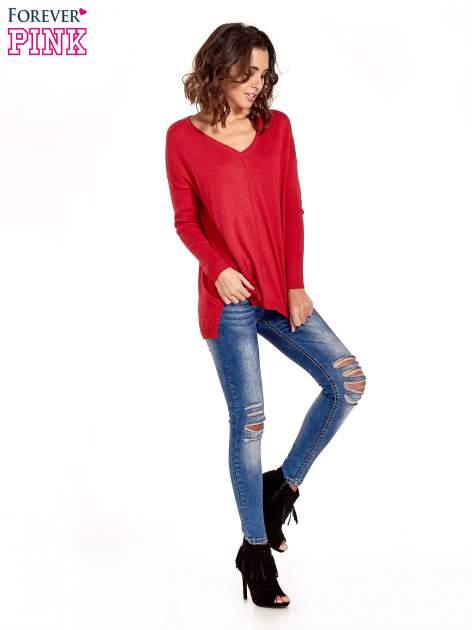 Czerwony sweter V-neck z rozporkami                                  zdj.                                  2