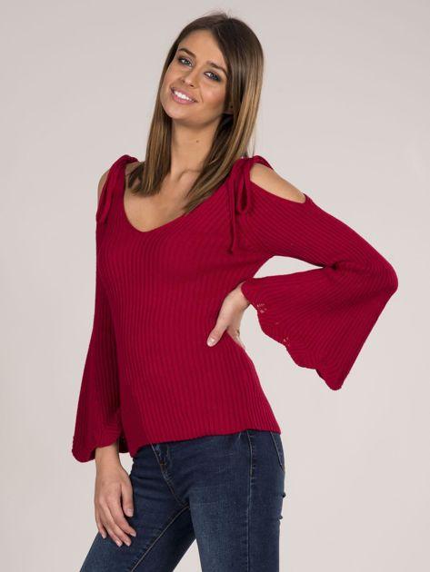 Czerwony sweter cold shoulder                              zdj.                              3