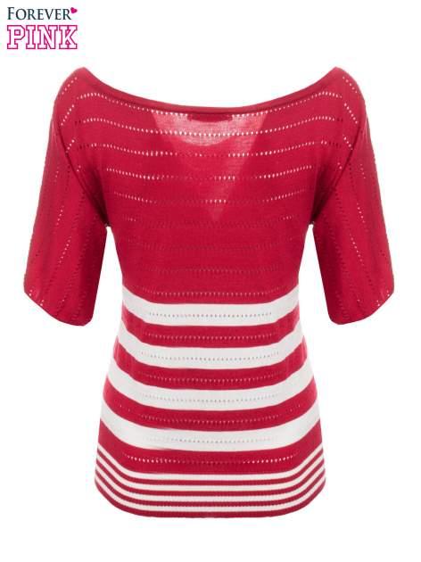 Czerwony sweter w paski z szerokim dekoltem                                  zdj.                                  7