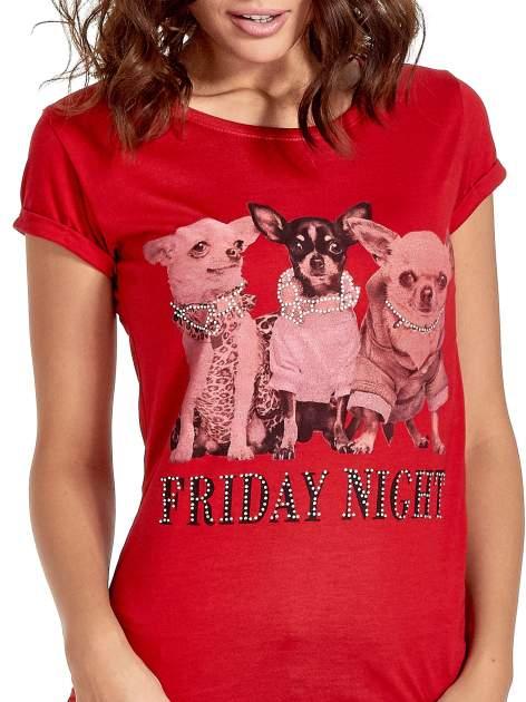 Czerwony t-shirt z nadrukiem szczeniąt                                  zdj.                                  7