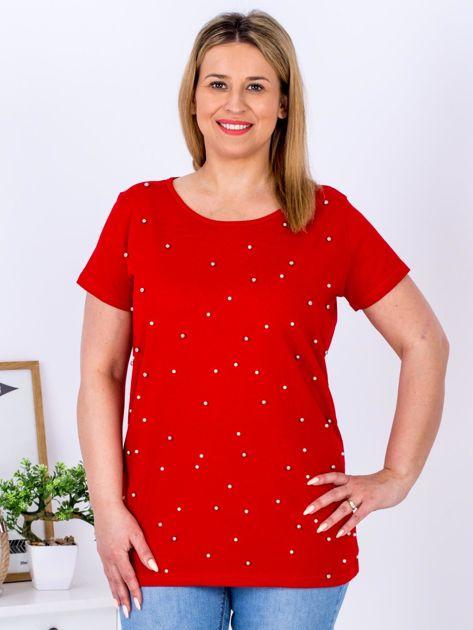 Czerwony t-shirt z perełkami PLUS SIZE                              zdj.                              1