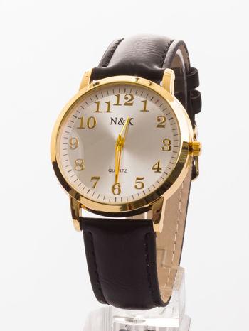 Damski zegarek - z tych, jaki przynajmniej jeden powinno się w szufladce mieć. Na każdą okazję i do wszystkiego!