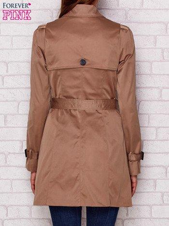 Dwurzędowy płaszcz z paskiem i kieszeniami ciemnobeżowy                              zdj.                              2