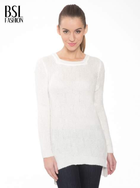 Ecru ażurowy długi sweter z rozporkami                                  zdj.                                  1