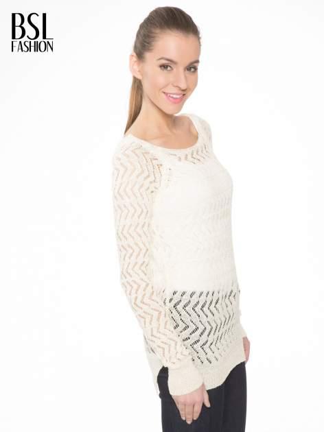 Ecru ażurowy dłuższy sweter                              zdj.                              3