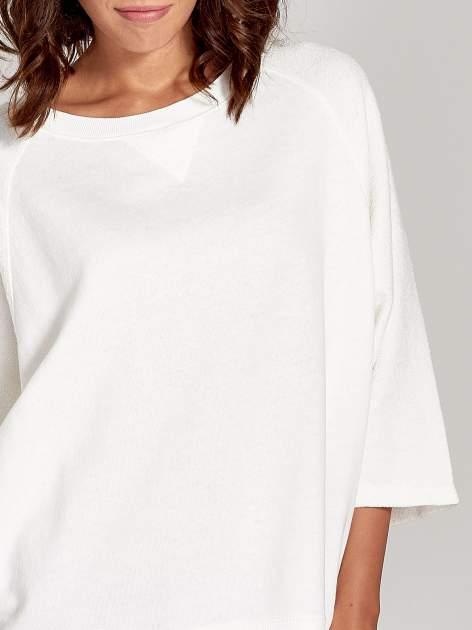 Ecru bluza oversize z łączonych materiałów                                  zdj.                                  5