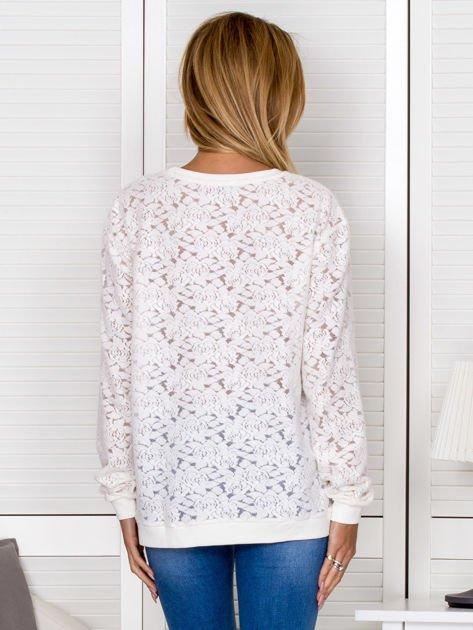 Ecru bluza z ażurowym motywem kwiatowym                                  zdj.                                  1