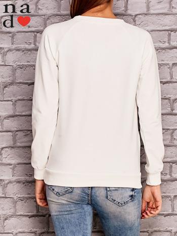 Ecru bluza z ornamentowym nadrukiem                                  zdj.                                  4
