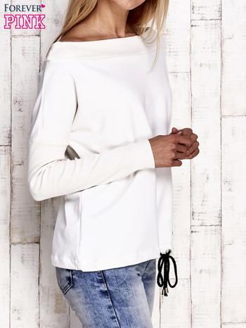 Ecru bluza z szerokim ściągaczem i troczkami                              zdj.                              3