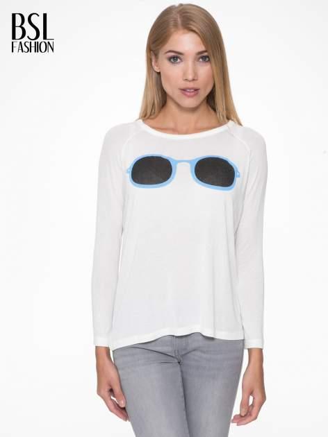 Ecru bluzka z nadrukiem okularów