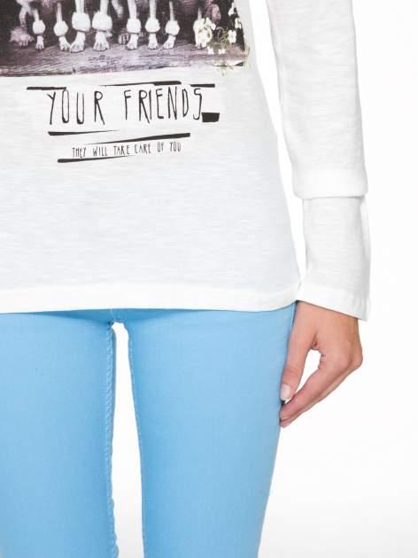 Ecru bluzka z nadrukiem pudli i napisem LOOK AFTER YOUR FRIENDS                                  zdj.                                  9