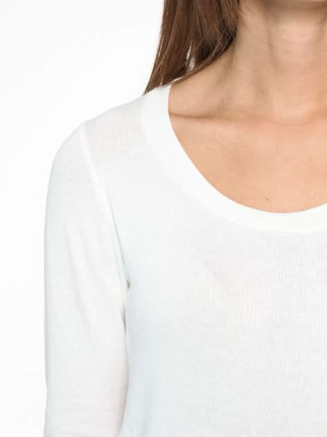 Ecru bluzka z tyłem mgiełką i z ozdobnym wiązaniem                                  zdj.                                  6