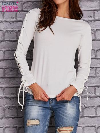 Ecru bluzka z wiązaniem na rękawach                                  zdj.                                  1