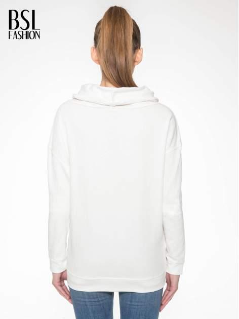 Ecru długa bluza ze ściąganym kapturokominem                                  zdj.                                  3