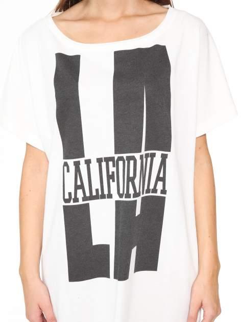 Ecru długi t-shirt z nadrukiem LA CALIFORNIA                                  zdj.                                  9