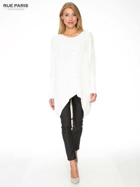 Ecru dziergany długi sweter o kroju oversize                                  zdj.                                  2