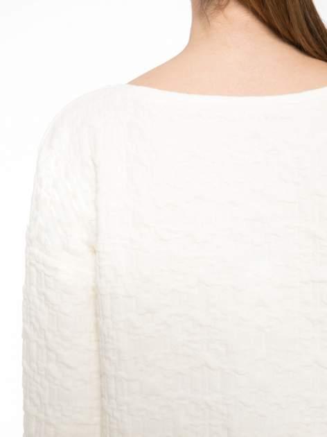 Ecru fakturowana bluza z rękawem 3/4                                  zdj.                                  5