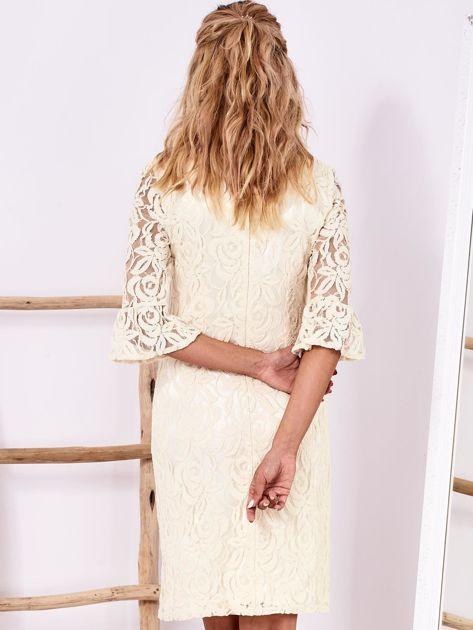 Ecru koronkowa sukienka z szerokimi rękawami                              zdj.                              2