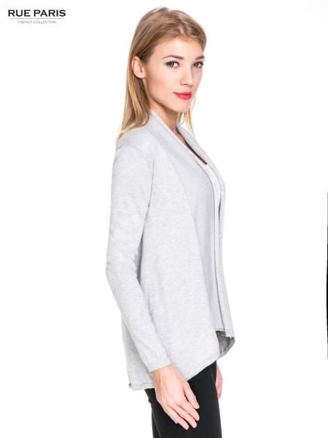 Ecru otwarty sweter narzutka z dłuższym tyłem                                  zdj.                                  3