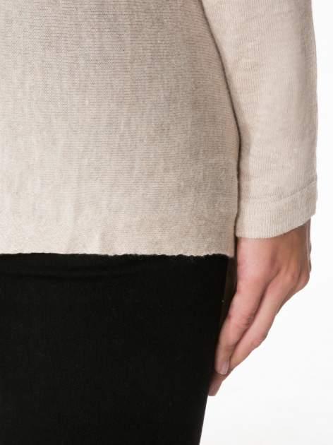 Ecru otwarty sweter z kaskadowymi bokami                                  zdj.                                  9