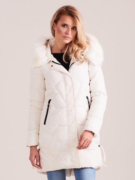 Ecru pikowana kurtka na zimę                              zdj.                              1