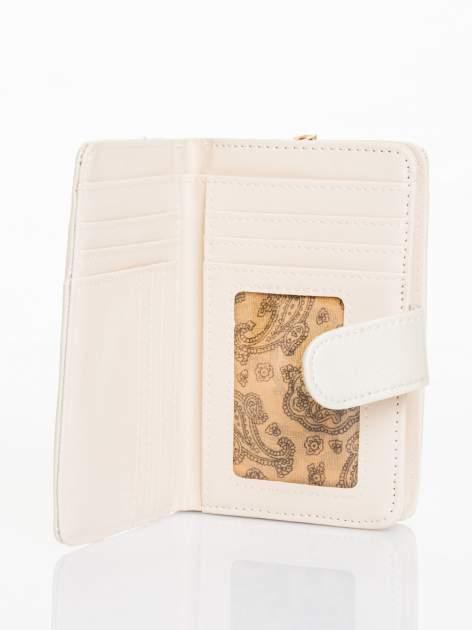 Ecru portfel efekt skóry saffiano                                  zdj.                                  3