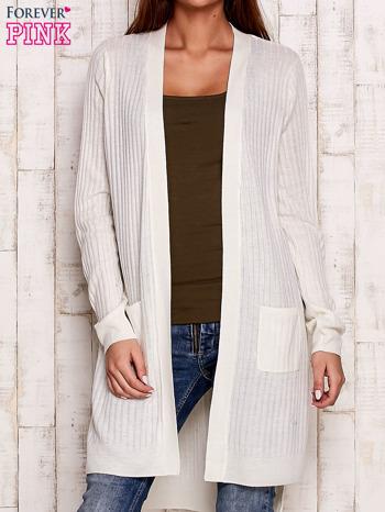 Ecru prążkowany sweter z kieszeniami                                  zdj.                                  1