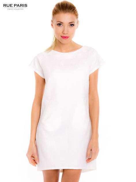 Ecru prosta sukienka tłoczona w róże z suwakiem z tyłu                                  zdj.                                  1