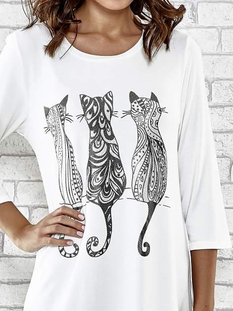 Ecru sukienka damska z nadrukiem kotów                                  zdj.                                  6