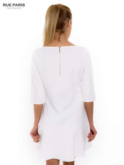 Ecru sukienka z obniżoną talią o rękawie długości 3/4                                  zdj.                                  4