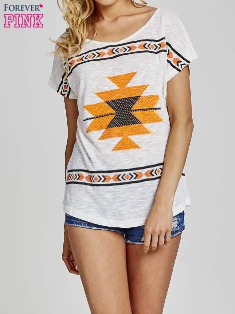 Ecru t-shirt we wzory azteckie z dżetami                                  zdj.                                  1