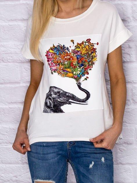 Ecru t-shirt z malarskim nadrukiem                              zdj.                              1