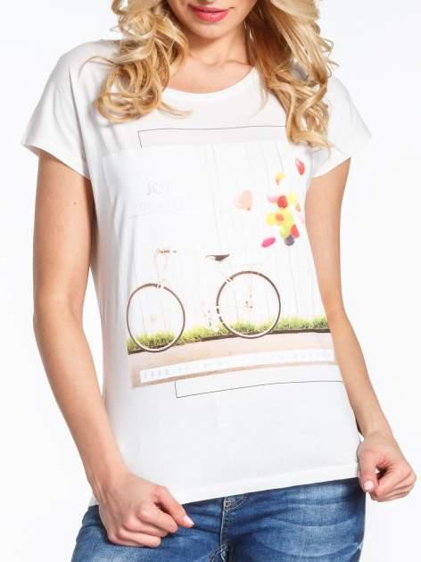 Ecru t-shirt z nadrukiem JOY OF LIFE                                  zdj.                                  6