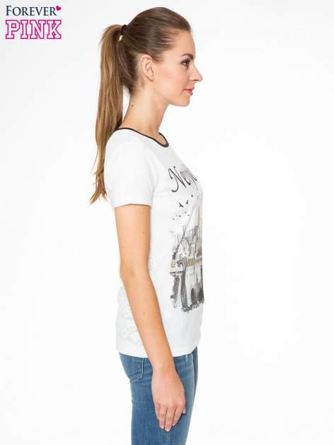 Ecru t-shirt z nadrukiem NEW YORK i ażurowym tyłem                                  zdj.                                  3