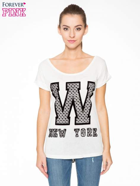 Ecru t-shirt z nadrukiem NEW YORK i koronkowym pasem na plecach                                  zdj.                                  1