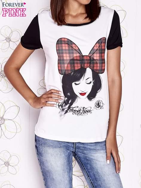 Ecru t-shirt z nadrukiem dziewczyny i tiulowym tyłem                                  zdj.                                  1