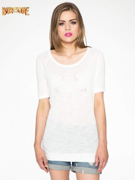 Ecru t-shirt z napisem LIVE IN THE SUNSHINE z dżetów                                  zdj.                                  12