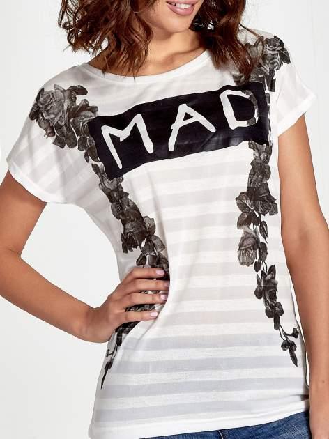 Ecru t-shirt z napisem MAD i kwiatowym nadrukiem                                  zdj.                                  5