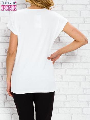 Ecru t-shirt z napisem STYLE z dżetami                                  zdj.                                  2