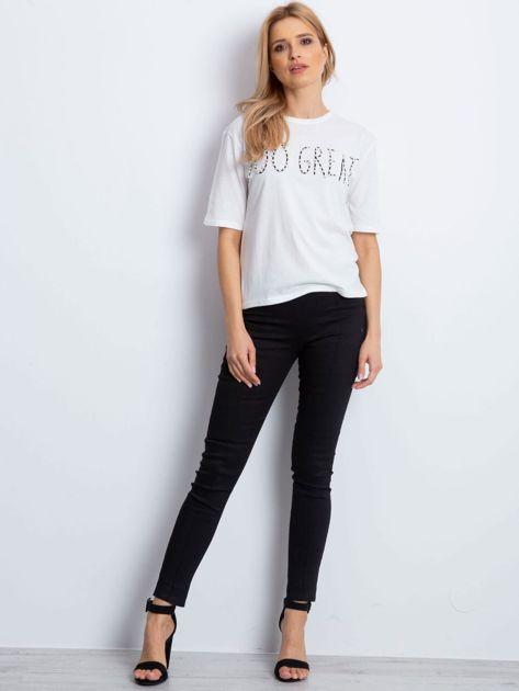 Ecru t-shirt z napisem z perełek                              zdj.                              2