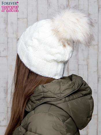 Ecru wełniana czapka z pomponem                                  zdj.                                  3