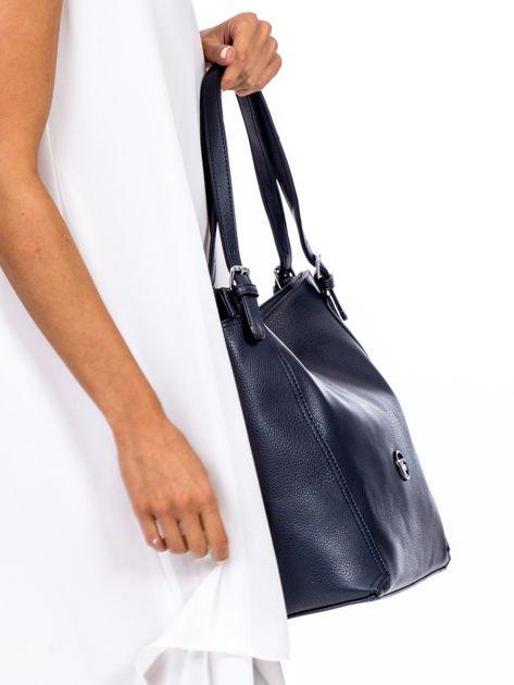 Elegancka granatowa torba z eko skóry z logo                              zdj.                              3
