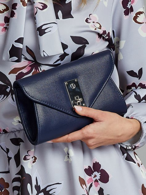 Elegancka kopertówka z ozdobnym zapięciem granatowa                              zdj.                              1
